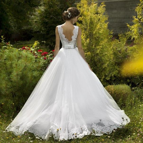 Пышные свадебные платья с открытой спиной