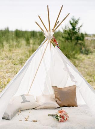 Шалаш на свадьбу: идеи и тренды